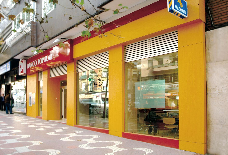 fachada Banco Pupular en Bravo Murillo